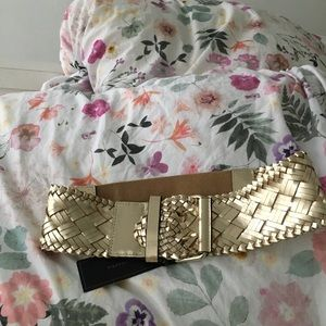 Gold stretchy woven belt